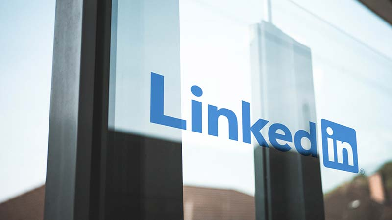 What are LinkedIn Sponsored Updates?
